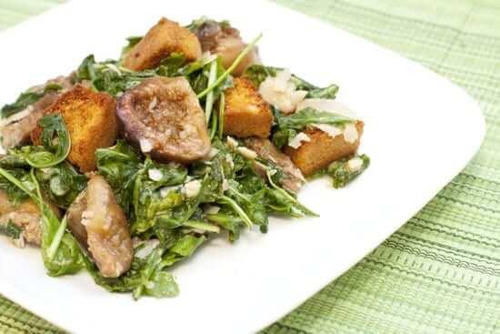 Roasted Fig Arugula Salad with Cornbread Croutons